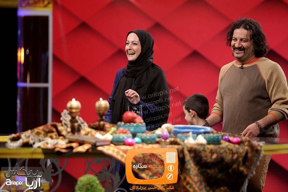 شقایق دهقان ( یکی از سه ستاره بهترین بازیگر زن ) به همراه همسرش مهراب قاسم خانی و فرزندش در برنامه سال تحویل 93