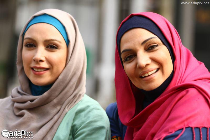 عکس جدید از الهام پاوه نژاد و فرناز رهنما در پشت صحنه سریال هفت سنگ