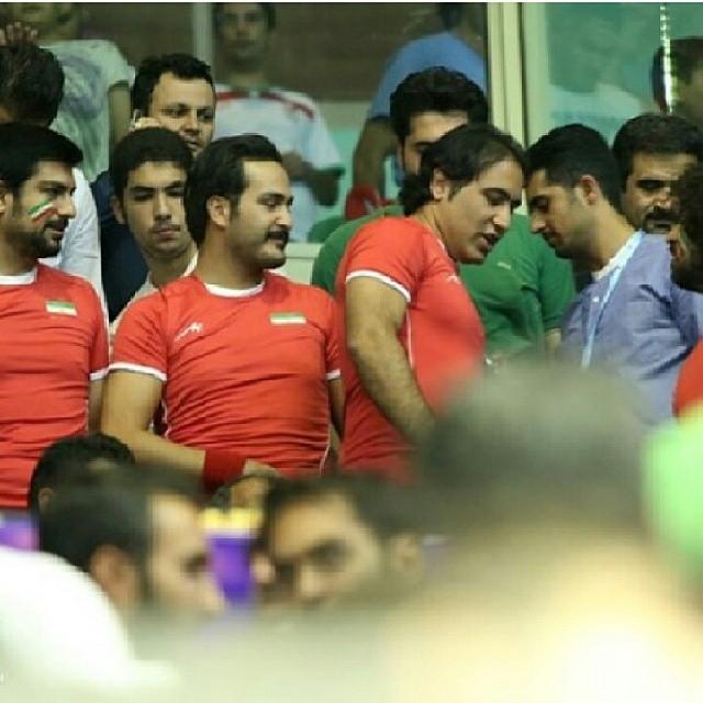 هنرمندان در بازی والیبال ایران ایتالیا