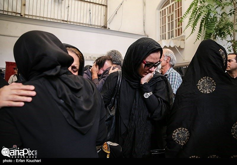 تشییع جنازه اکبر خواجویی