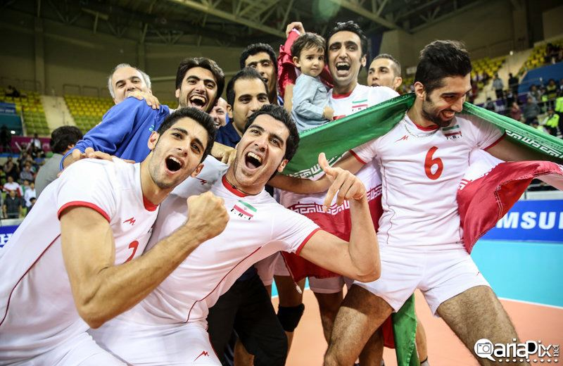 والیبالیست ها و خانواده هایشان, شادی والیبالیست ها پس از قهرمانی در بازی های آسیایی