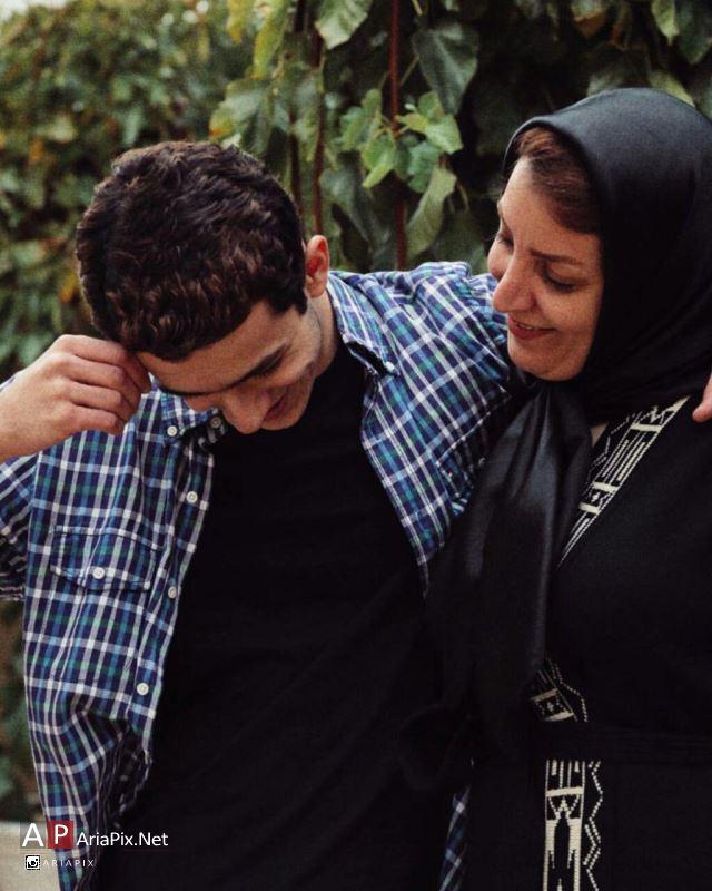 علی شادمان و مادرش