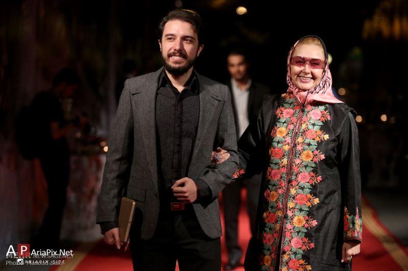عکس » کتایون ریاحی و پسرش در جشن روز ملی سینما 94