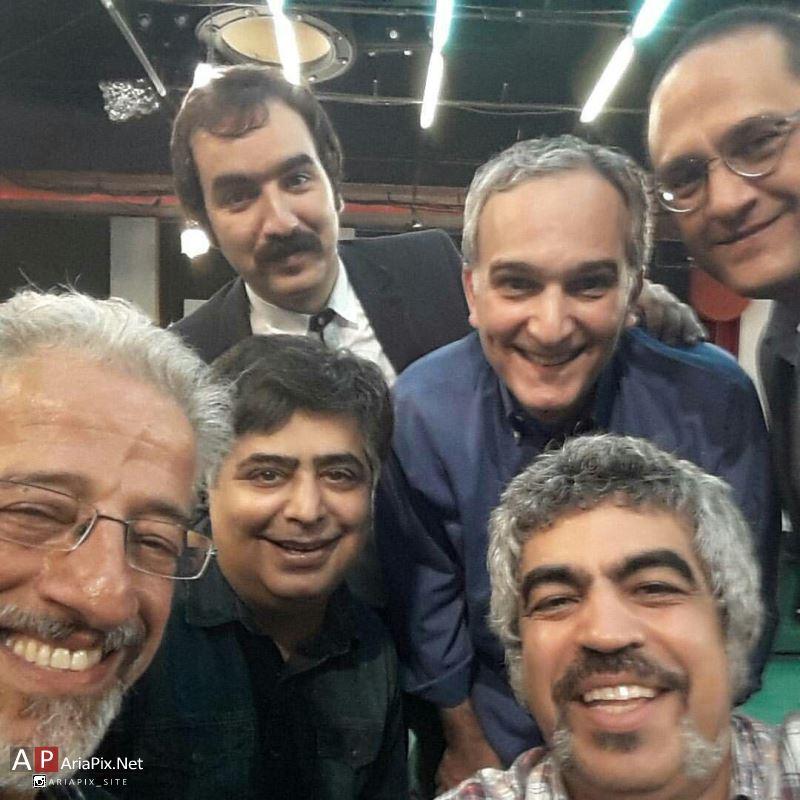 عکس های دسته جمعی از کمدین و بازیگران طنز در برنامه خندوانه